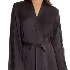 SIZE XL BLACK Wrap IN BLOOM BY JONQUIL